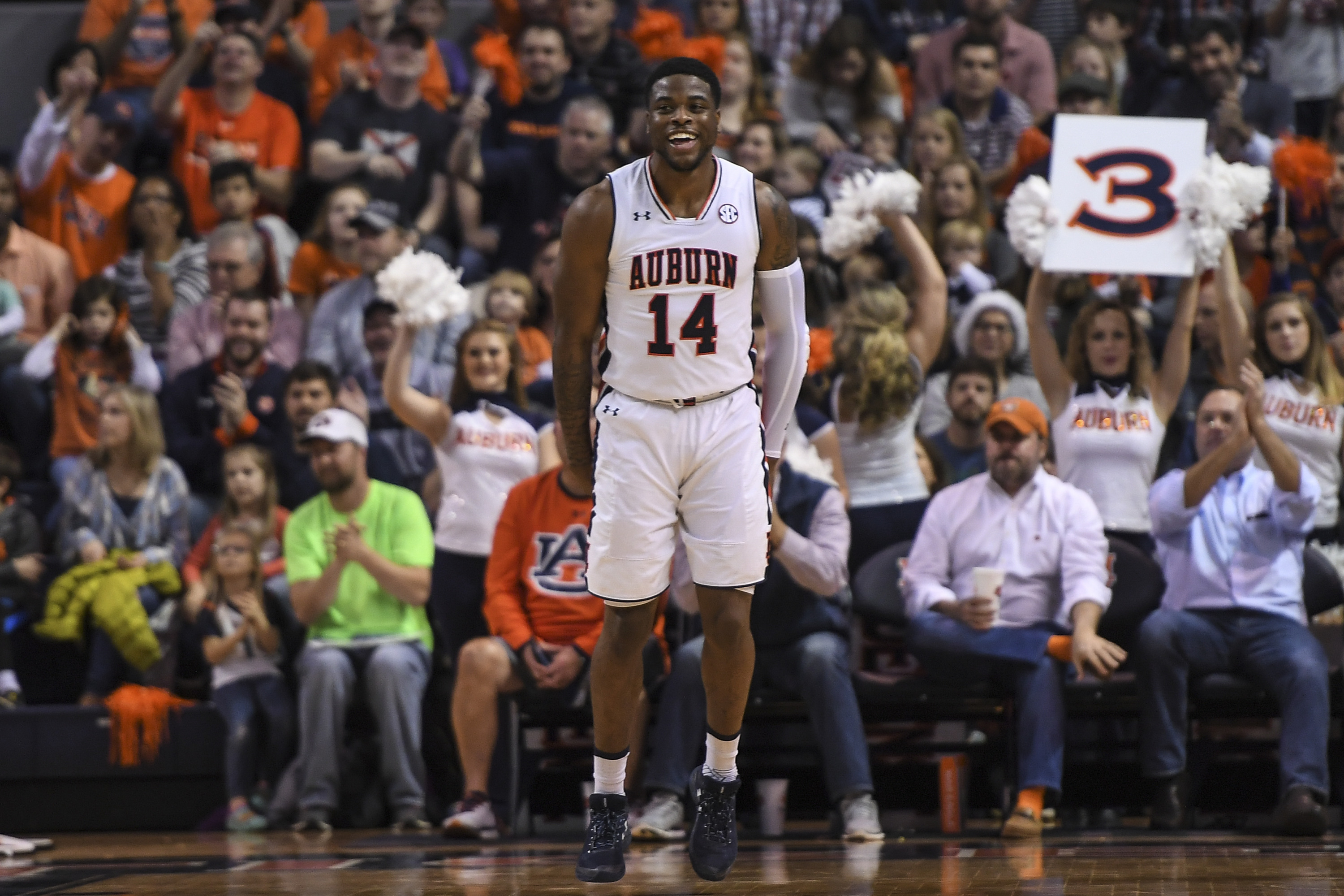 Fast Start Sparks Auburn S Ninth Straight Win 89 64 Over