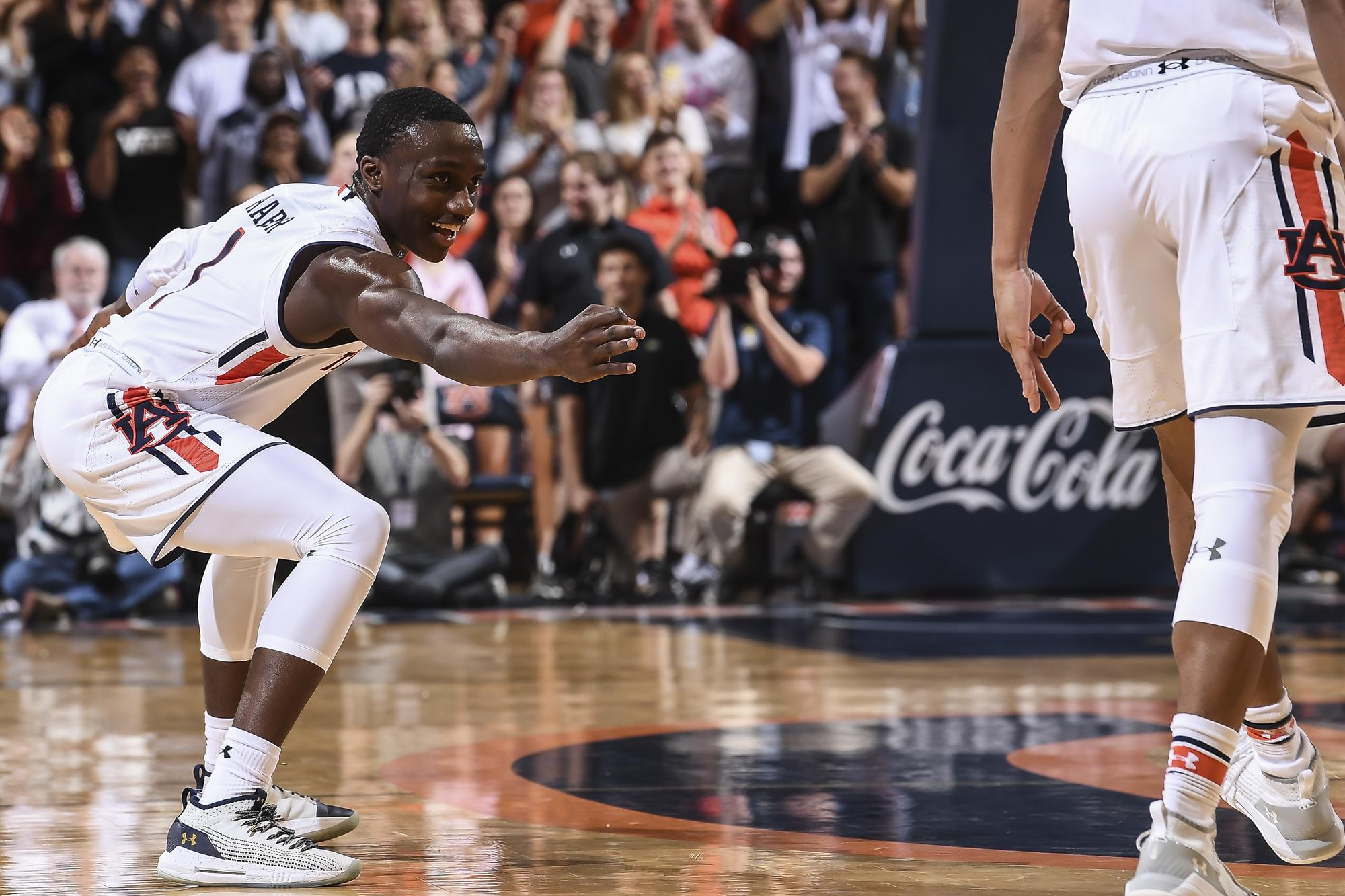 Auburn routs South Alabama 101-58 in