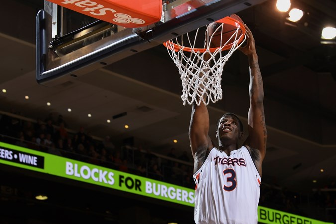 Auburn Tigers NCAA Basketball: Auburn is seeking to beat the Bengal Tigers in Baton Rouge for the third straight time.