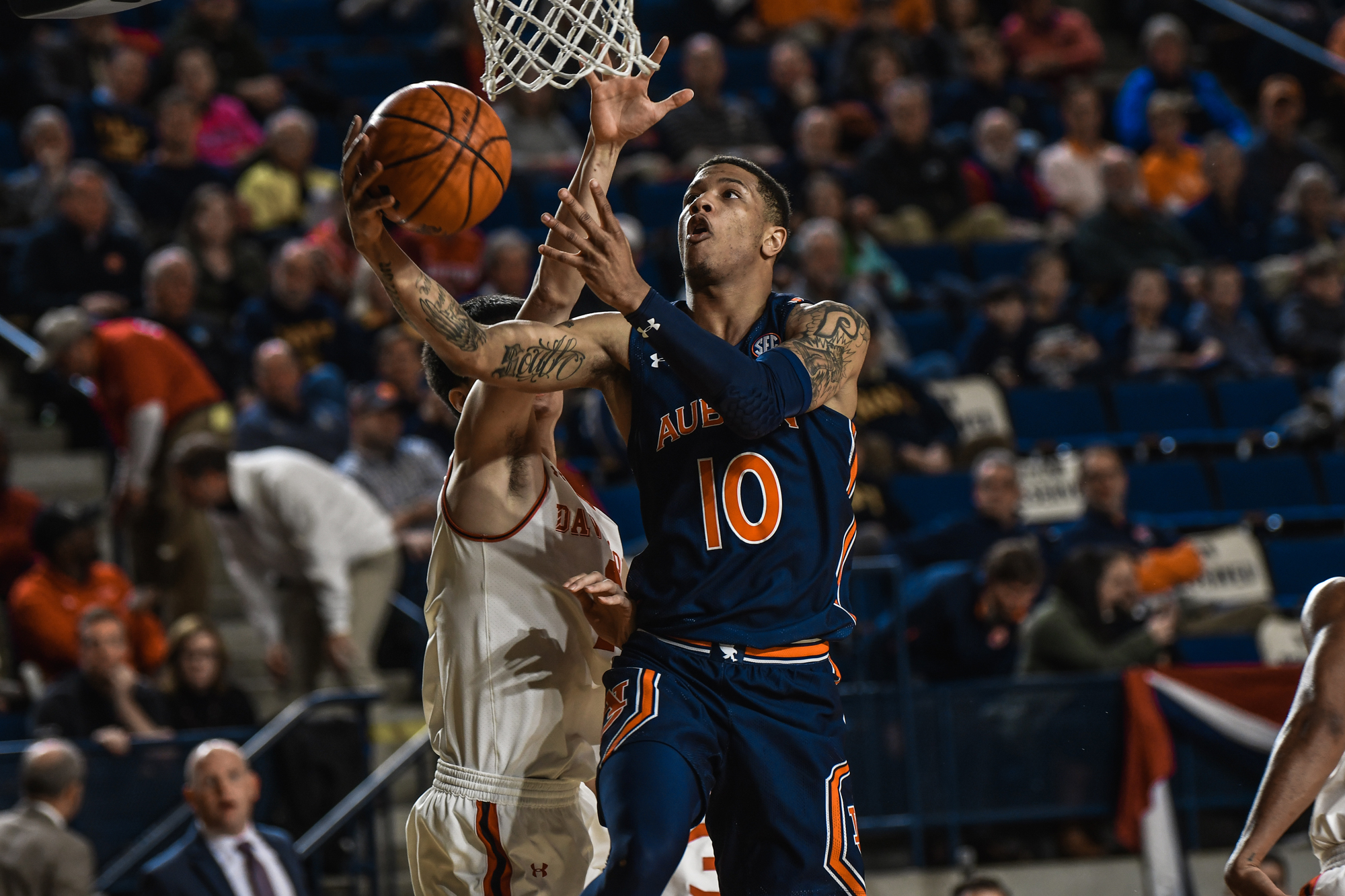 No 24 Auburn Takes Down Davidson In Veterans Classic