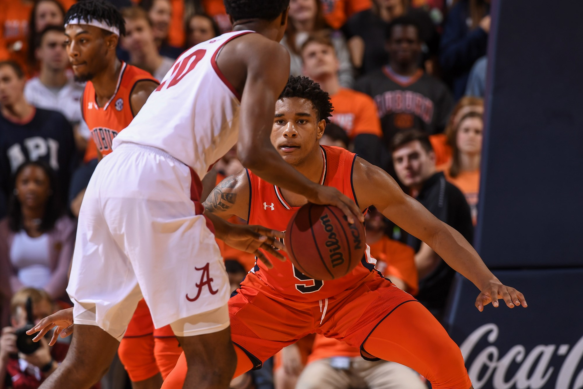 Locked In Auburn Closes Out Homestand Against Florida